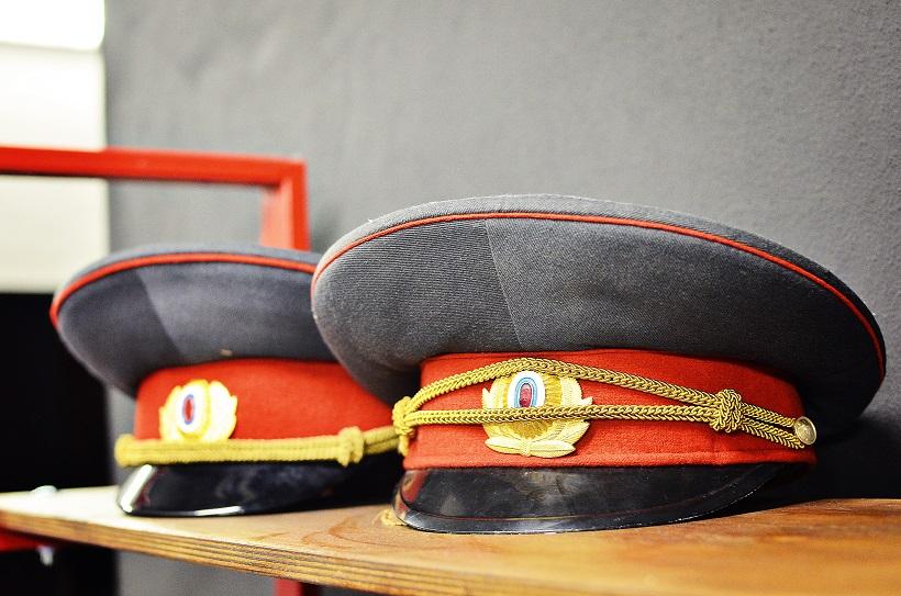 Questum - policajné čapice